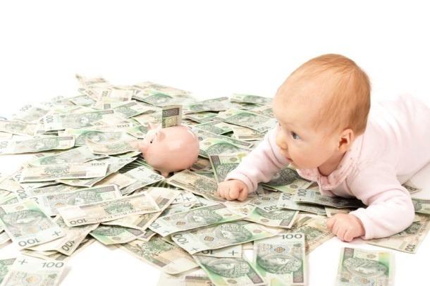dziecko na pieniądzach